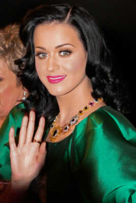 Top Female pop singers of 2015
