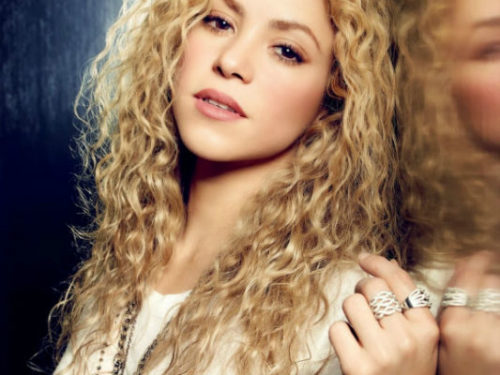 Shakira Hottest Female Pop Singers of 2016