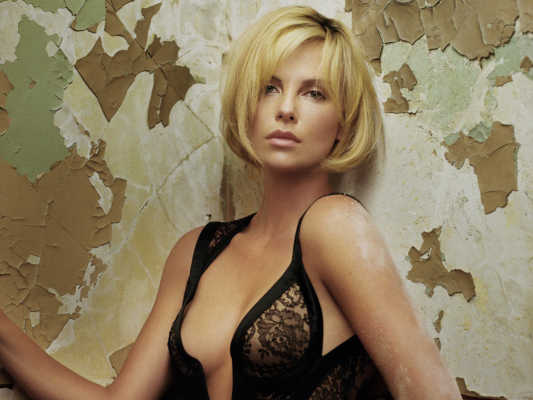Charlize Theron Hottest Hollywood Actresses of 2016-min