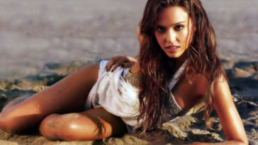 Jessica Alba Hottest Hollywood Actresses of 2016-min