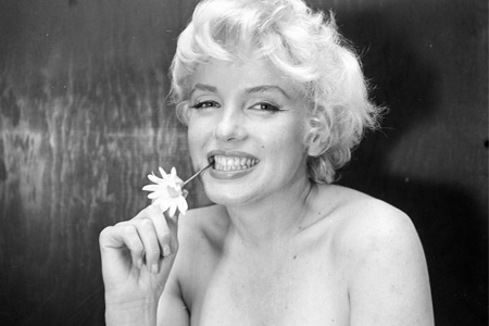 Marilyn Monroe Celebrities Who Committed Suicide
