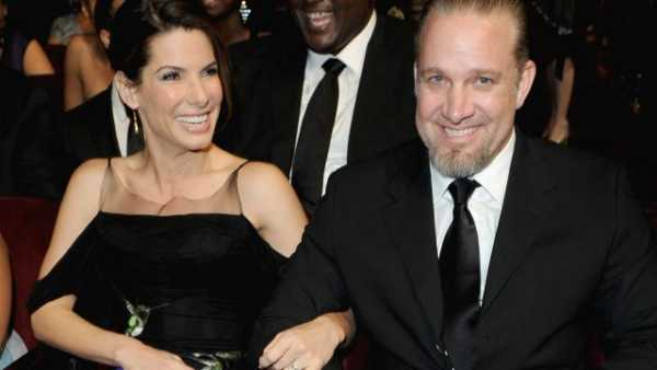Sandra Bullock and Jesse James celebrities who married their fans