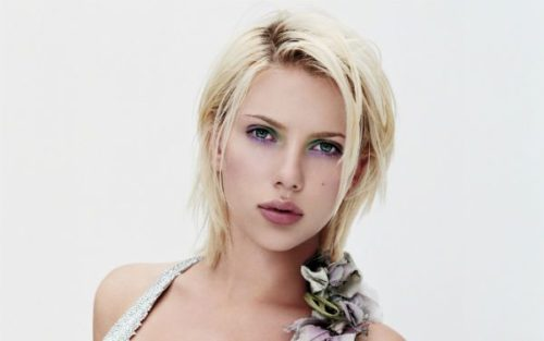 scarlett-johansson-Top-10-Hottest-Women-In-The-World