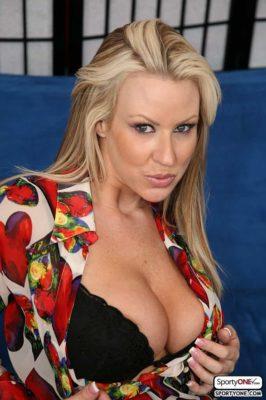 Carolyn Reese Hottest MILF Porn Stars