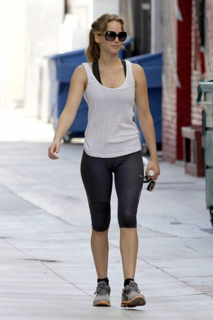 Jennifer Lawrence Hot Celebrity pics in Yoga Pants