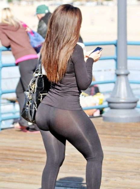 Kim Kardashian Hot Celebrity pics in Yoga Pants