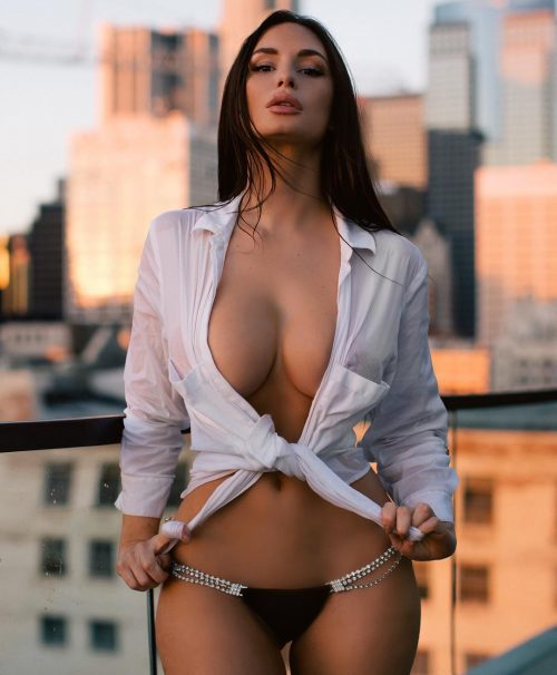 Rosie Roff hottest girls to follow on Instagram