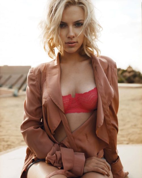 Scarlett Johansson Hot Pic no 2