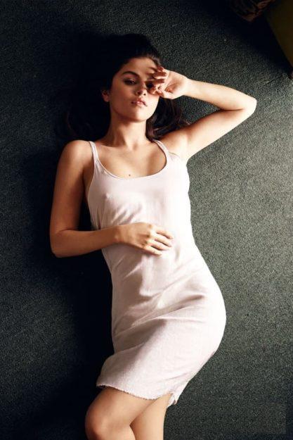Selena Gomez hot pic no 35