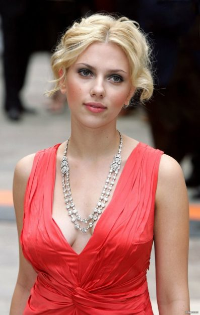 hot pics of scarlett johansson
