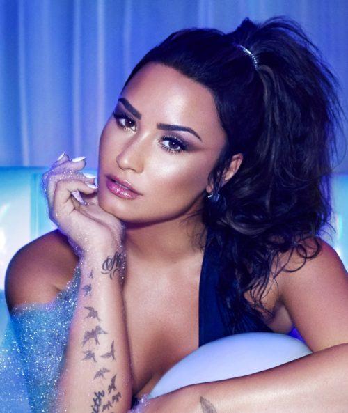Demi Lovato (18)