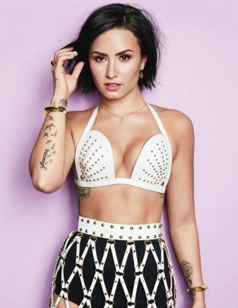 Demi Lovato (25)