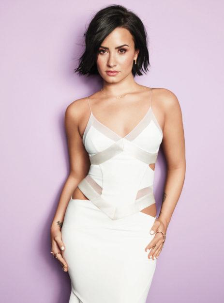 Demi Lovato (27)