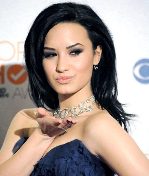 Demi Lovato (38)