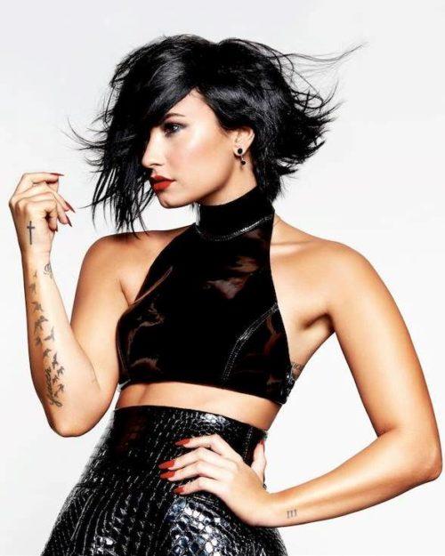 Demi Lovato (48)
