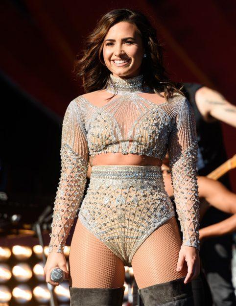 Demi Lovato (49)