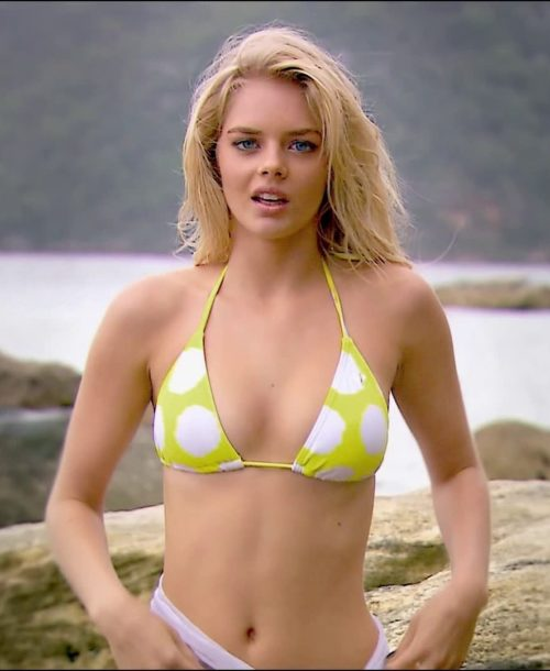 Samara Weaving Sexy and half Picture (34)