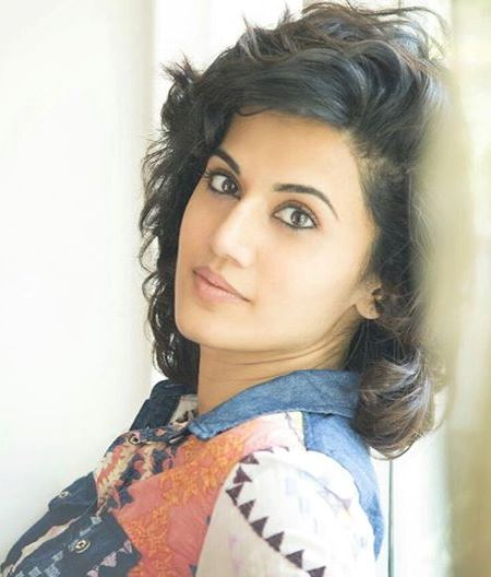 Taapsee Pannu Hot Pic No (16)