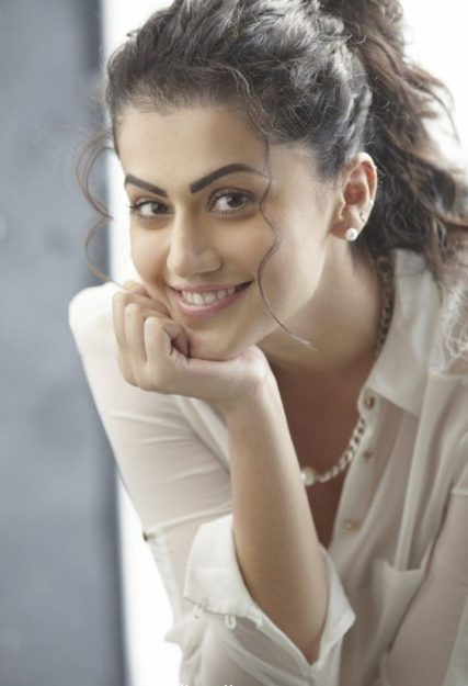 Taapsee Pannu Hot Pic No (25)