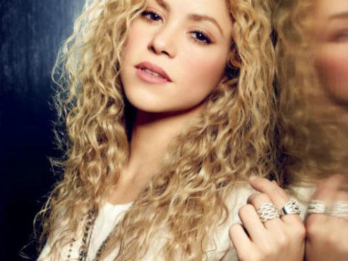 Shakira Hottest Female Pop Singers of 2016