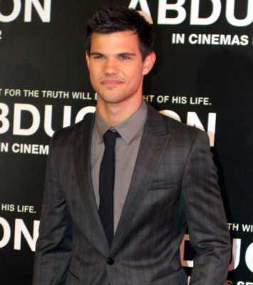 Taylor Lautner World's Hottest Men of 2016