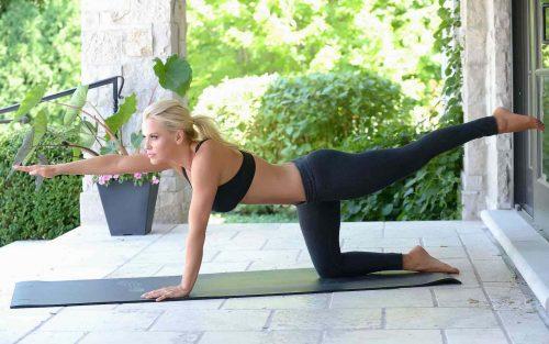 Jenny McCarthy Hot Celebrity pics in Yoga Pants