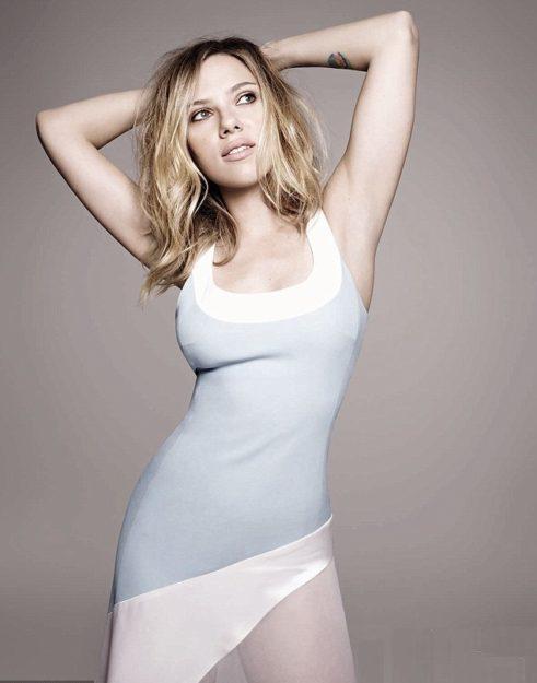 Scarlett Johansson Hot Pic no 20