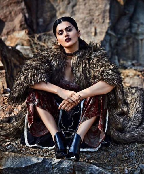 Taapsee Pannu Hot Pic No (18)