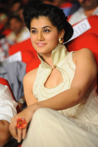 Taapsee Pannu Hot Pic No (23)