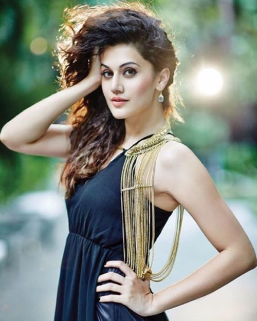 Taapsee Pannu Hot Pic No (24)