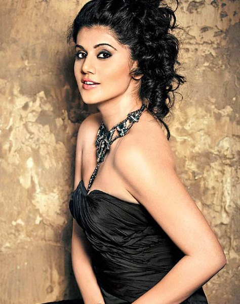 Taapsee Pannu Hot Pic No (26)