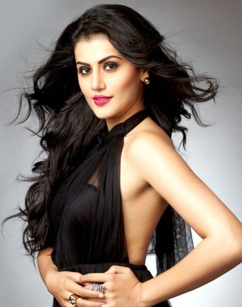 Taapsee Pannu Hot Pic No (39)