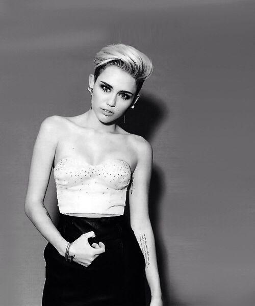 The 41 Half Naked Miley Cyrus Pics, Hot Photos-6601