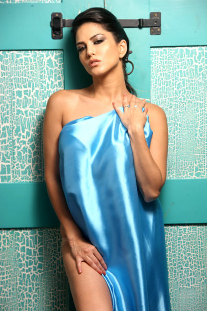47 Sexiest Half Nude Sunny Leone Photos Of All Time  Dont Miss Out-9062