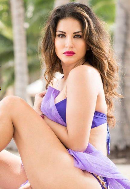 Half Nude Sunny Leone Photos (23)