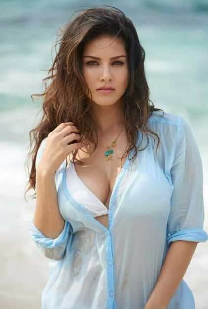 47 Sexiest Half Nude Sunny Leone Photos Of All Time  Dont Miss Out-4599