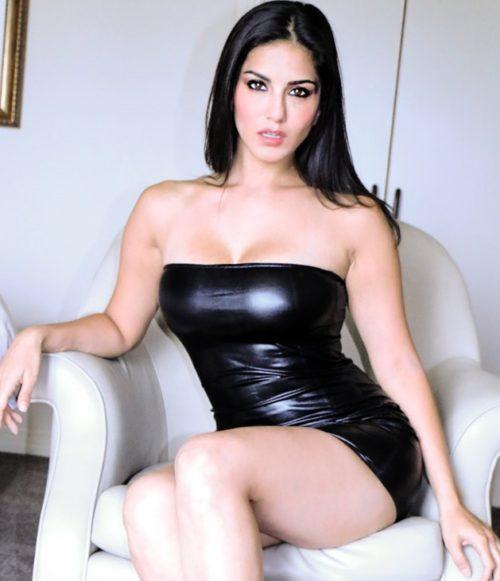 Half Nude Sunny Leone Photos (27)