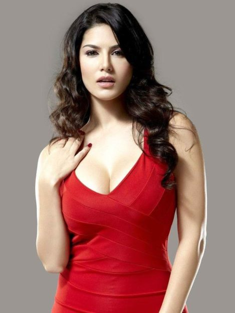 47 Sexiest Half Nude Sunny Leone Photos Of All Time  Dont Miss Out-7063
