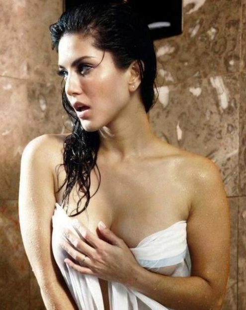 47 Sexiest Half Nude Sunny Leone Photos Of All Time  Don -9556