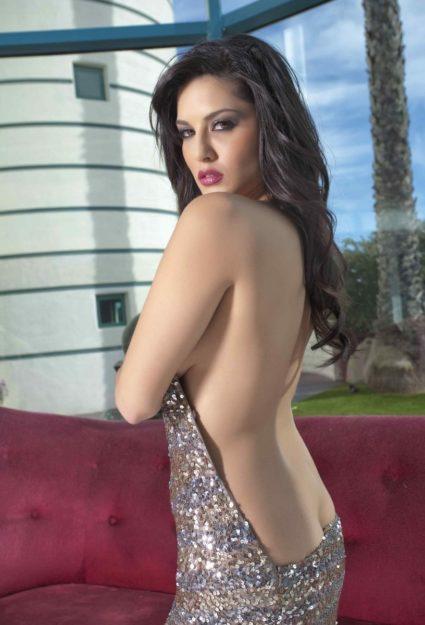 Half Nude Sunny Leone Photos (33)