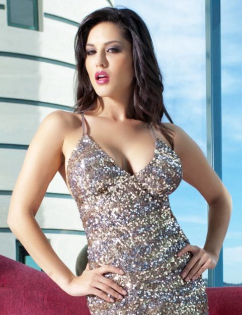 47 Sexiest Half Nude Sunny Leone Photos Of All Time  Dont Miss Out-4443