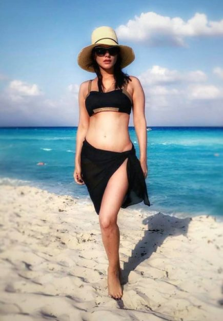 47 Sexiest Half Nude Sunny Leone Photos Of All Time  Don -1294
