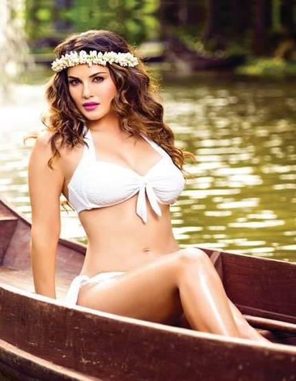 Half Nude Sunny Leone Photos (5)