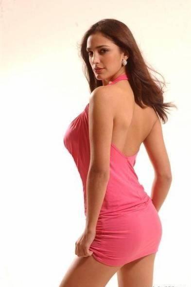 half nude Zuleyka Rivera photos (1)