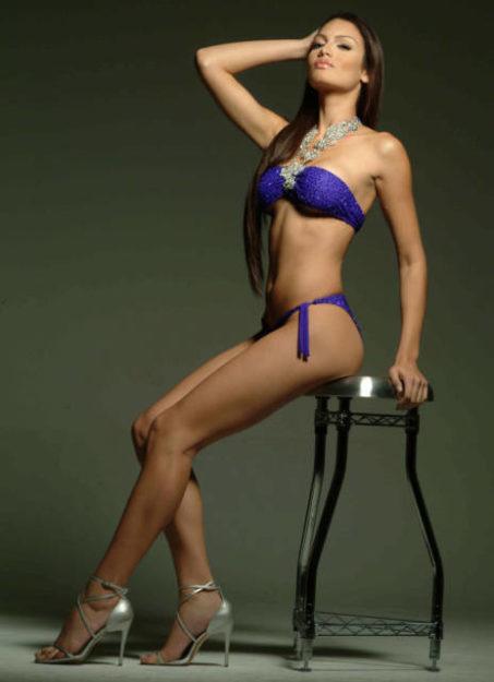 half nude Zuleyka Rivera photos (20)