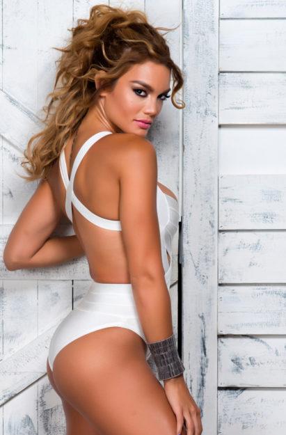 half nude Zuleyka Rivera photos (22)