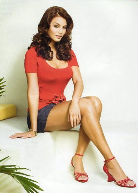 half nude Zuleyka Rivera photos (35)