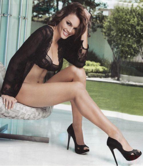 half nude Zuleyka Rivera photos (6)