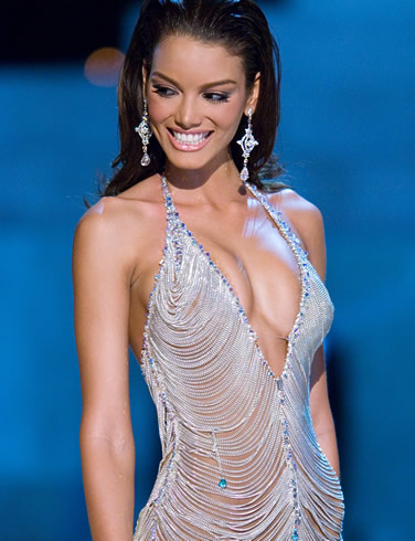 half nude Zuleyka Rivera photos (7)