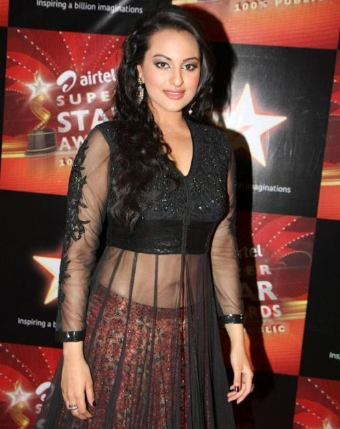 Half Nude Sonakshi Sinha Photos  You Must See-2335